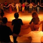 Diriger une danse traditionnelle collective cercle  circassien – cycles 2 et 3